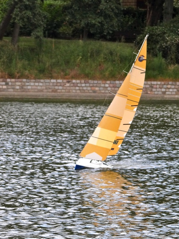 Open 60 RC design Carbosailing